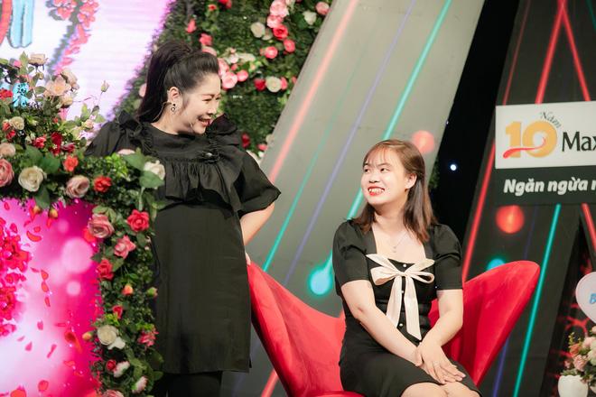 Cô gái Tuyết Trinh gần với mẫu hình lý tưởng mà chàng trai Văn Hòa luôn mong muốn tìm kiếm.