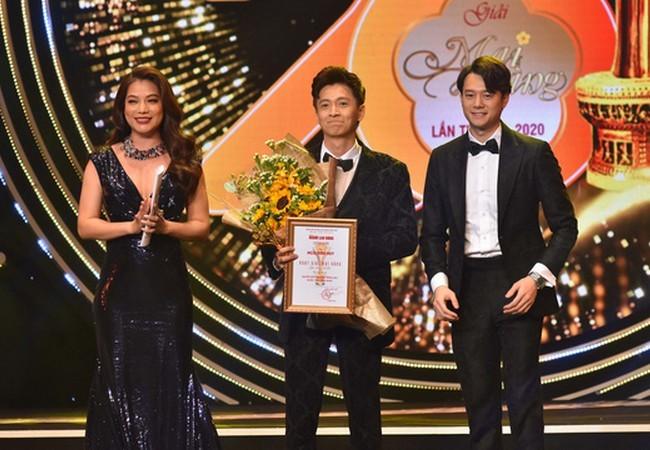Ngô Kiến Huy nhận giải Mai Vàng