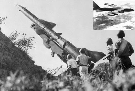 Rồng lửa SAM của quân đội Việt Nam trong trận chiến Điện Biên Phủ trên không. (Ảnh tư liệu)