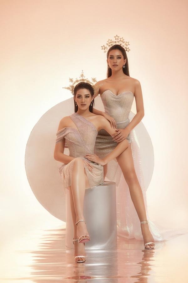 Lần đầu tiên đọ sắc trong bộ sưu tập The Glory của NTK Nguyễn Minh Tuấn, Hoa hậu Tiểu Vy và Hoa hậu Đỗ Hà đều khoe được lợi thế vóc dáng, khẳng định nhan sắc vượt trội của những nàng hậu thế hệ 10x.