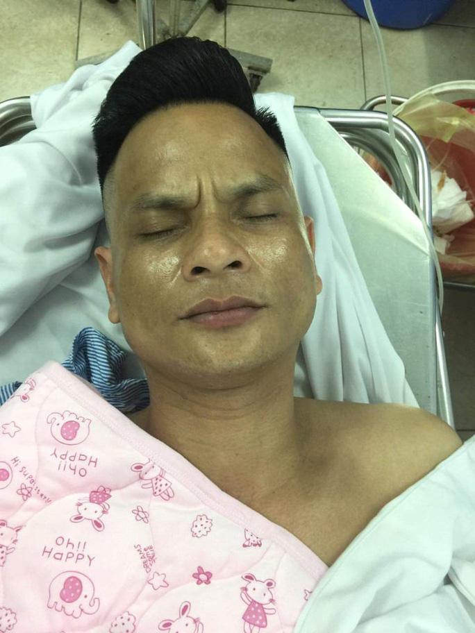 Bị can Nguyễn Công Dũng đang được điều trị tại bệnh viện - Ảnh: T.T.