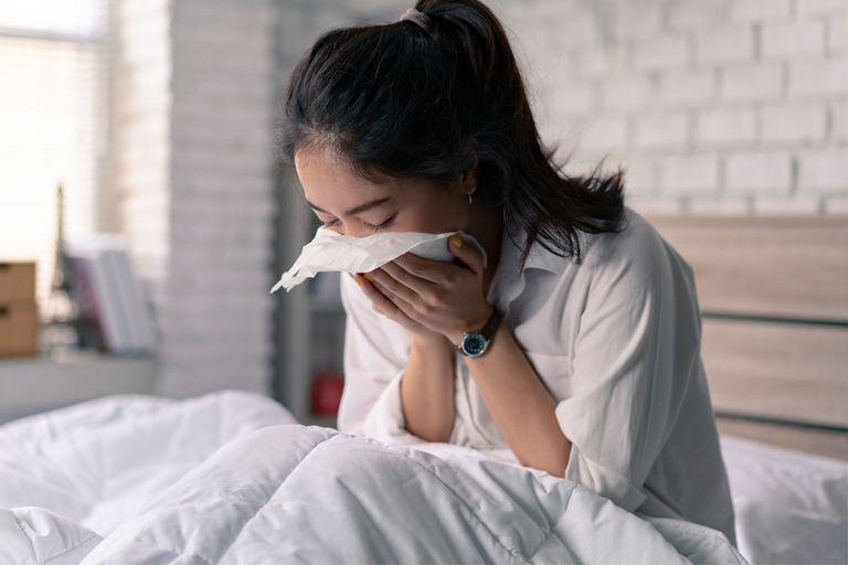 Ho ra máu của ung thư phổi là tình trạng máu từ đường hô hấp dưới được ho, khạc, trào, ộc ra ngoài theo đường miệng, mũi.