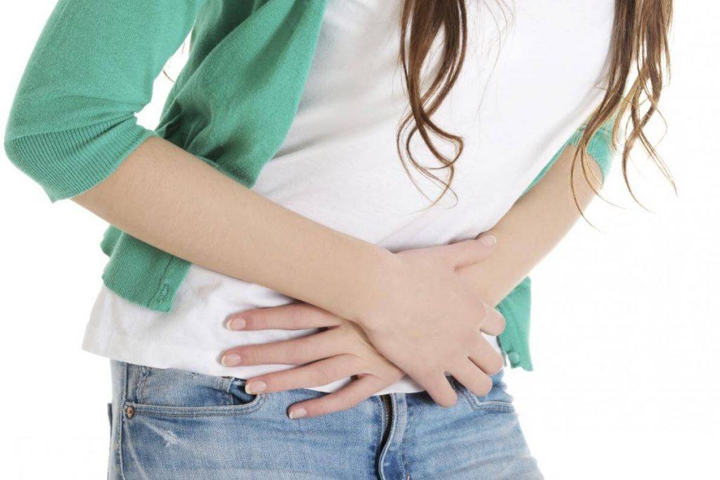 Chảy máu âm đạo bất thường nghĩa là âm đạo tiết ra máu dù không phải chu kỳ kinh nguyệt.