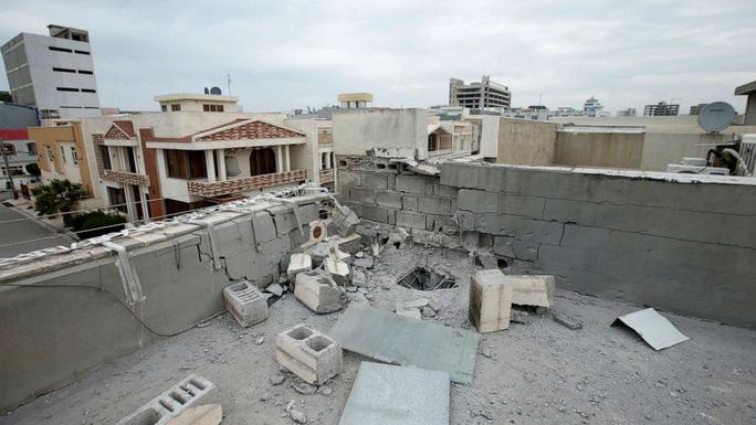 Khu vực bị thiệt hại tại TP Erbil sau cuộc tấn công nhằm vào căn cứ của Mỹ tại Iraq trong hôm 15-2. Ảnh: ABC News