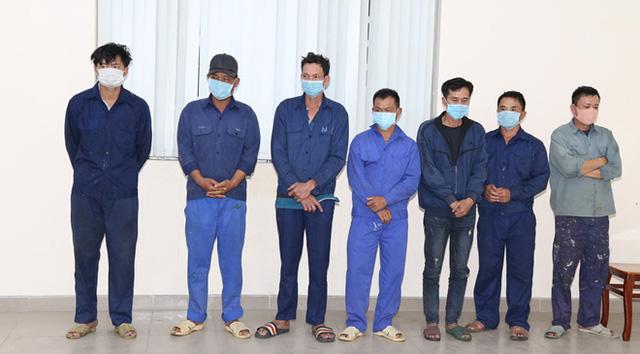 Một trong những nhóm đối tượng bị công an bắt giữ (Ảnh: CAND)
