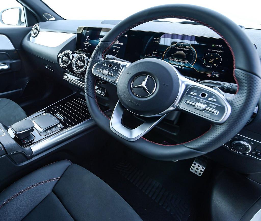 Mercedes-AMG GLA 35 4MATIC 2021 ra mắt tại Thái Lan, giá 103.895 USD