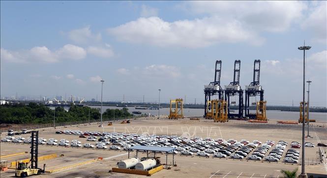 Hơn 10.000 xe ô tô nhập khẩu trong tháng 2