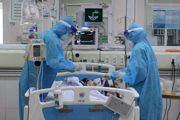 Bệnh nhân Covid-19 điều trị tại Bệnh viện Bệnh nhiệt đới Trung ương