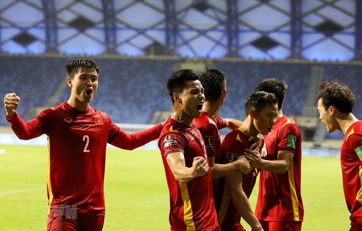 Tuyển Việt Nam lên hạng 90 thế giới nhờ việc đánh bại Indonesia và Malaysia. (Ảnh: Hoàng Linh/TTXVN)