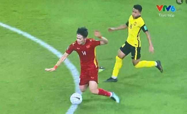 Malaysia liên tục chơi xấu với các cầu thủ Việt Nam