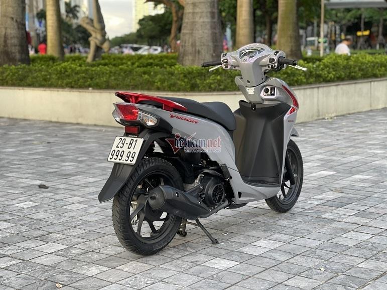 Xe sở hữu biển số VIP 29-B1 99999 được đánh giá đẹp nhất ở Hà Nội