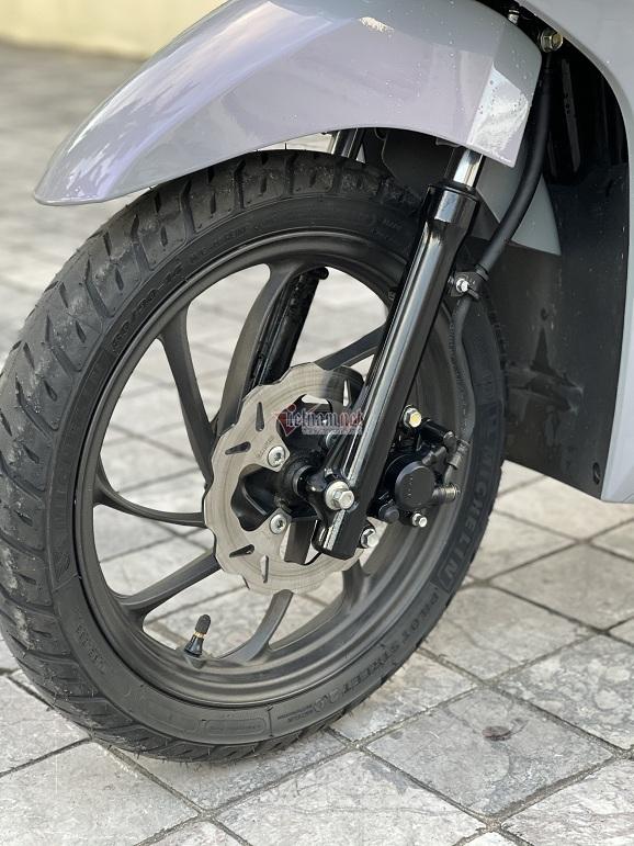 Xe dùng vành của Vision đời mới 2021.