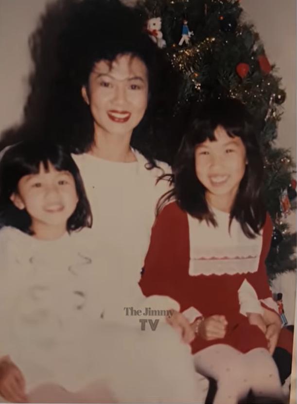 Kim Ngân và hai con gái đầu
