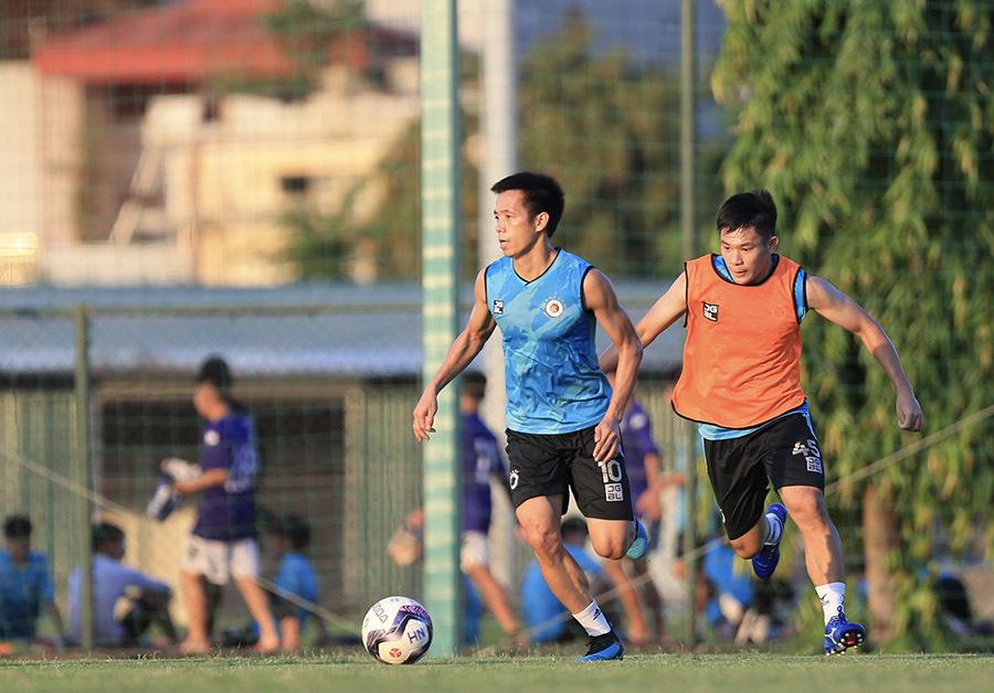 CLB Hà Nội dừng tập đến hết tháng 8 để chống dịch