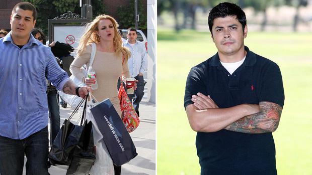 Cựu vệ sĩ Fernando Flores đã hé lộ những tình tiết kinh hoàng về cuộc sống đau khổ cùng cực của Britney Spears sau khi bị bố ruột kiểm soát
