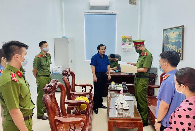Công an tỉnh Thanh Hóa phối hợp với VKSND tỉnh Thanh Hóa thi hành lệnh bắt Lê Thanh Hải