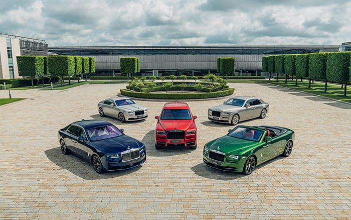 Mãn nhãn với bộ sưu tập xe siêu sang của Rolls-Royce