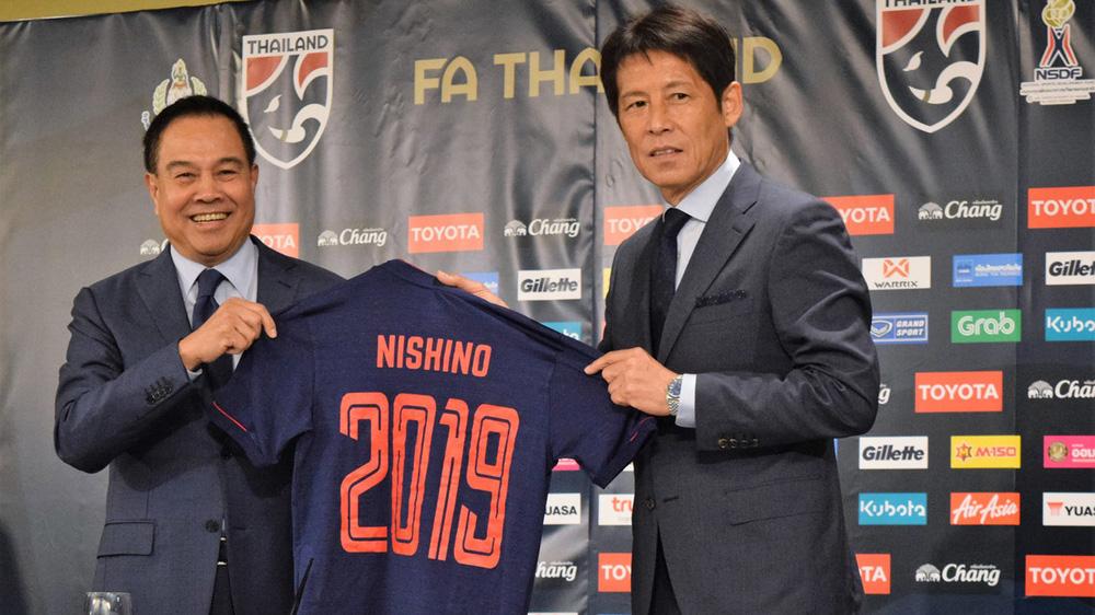HLV Nishino ngồi vào ghế nóng ĐT Thái Lan chưa được 2 năm đã phải rời đi.