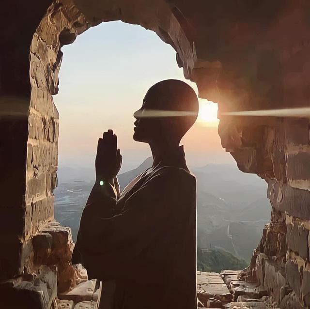 Lê Ngọc Trinh tìm bình yên nơi cửa Phật.