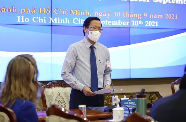 Ông Phan Văn Mãi, Chủ tịch UBND TP.HCM phát biểu tại hội nghị.