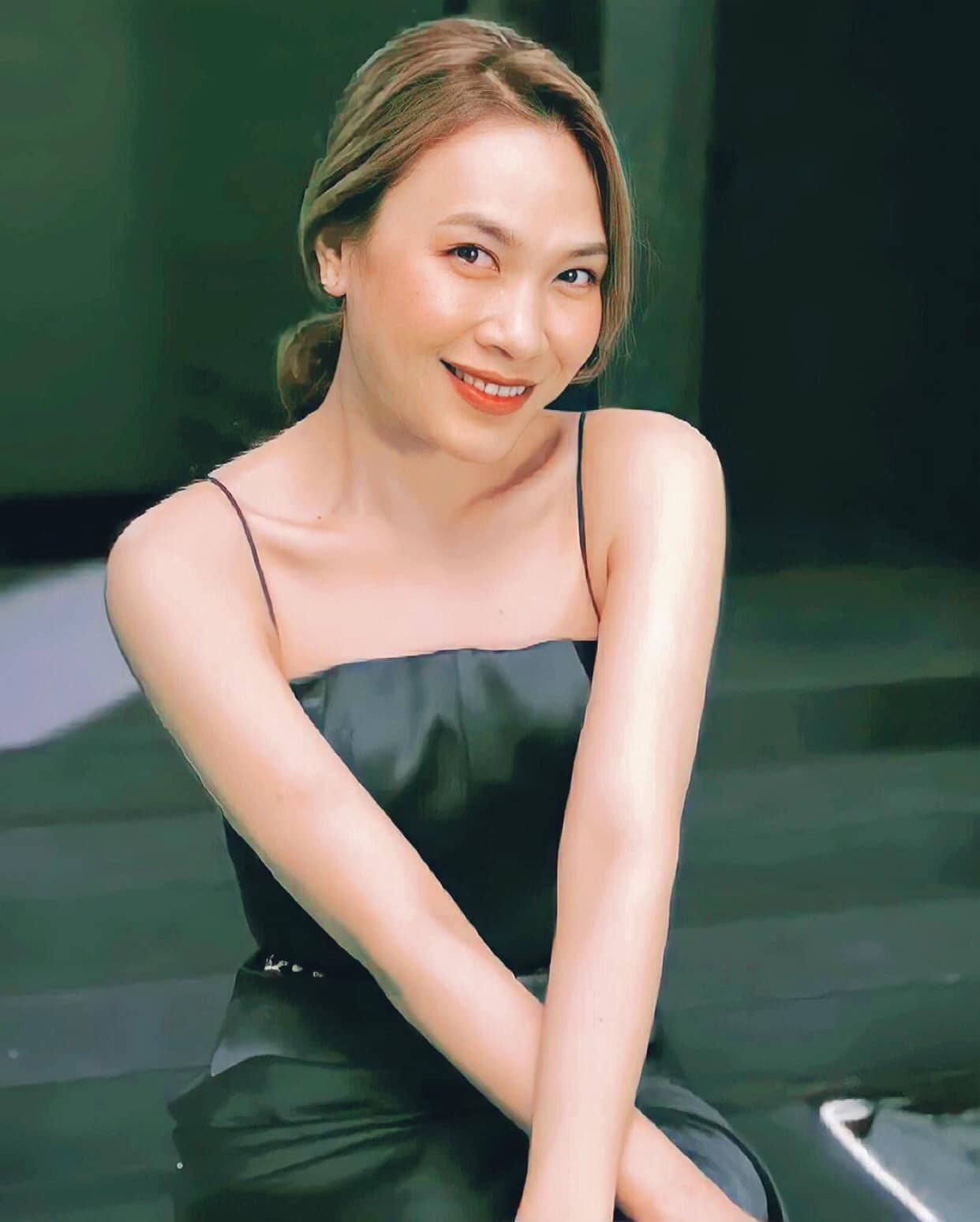 Sao Việt hôm nay 13/9: Mỹ Tâm đăng ảnh đẹp và viết: ''Đem thanh xuân một thời tuổi trẻ, để theo dõi duy nhất một người''.