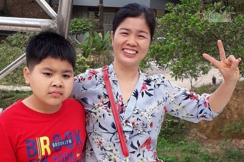 Ở tuổi 40, chị Nguyễn Thị Thủy (huyện Đông Anh, Hà Nội) quyết tâm đi thi tốt nghiệp THPT và đã trúng tuyển đại học.