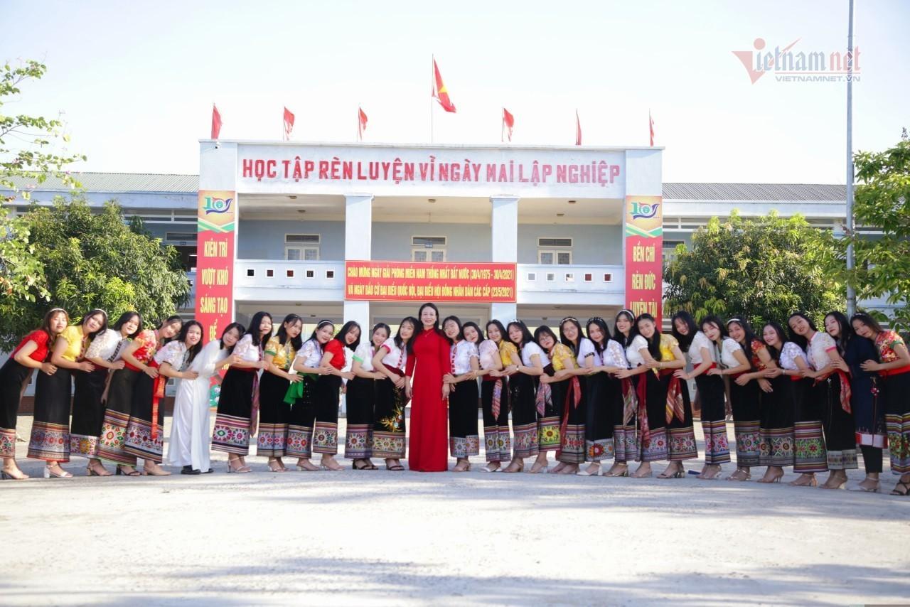 Trường Phổ thông Dân tộc nội trú THPT số 2 Nghệ Ancó36học sinh đỗ đại họctừ30 điểmtrở lên ở mùa tuyển sinh năm 2021.