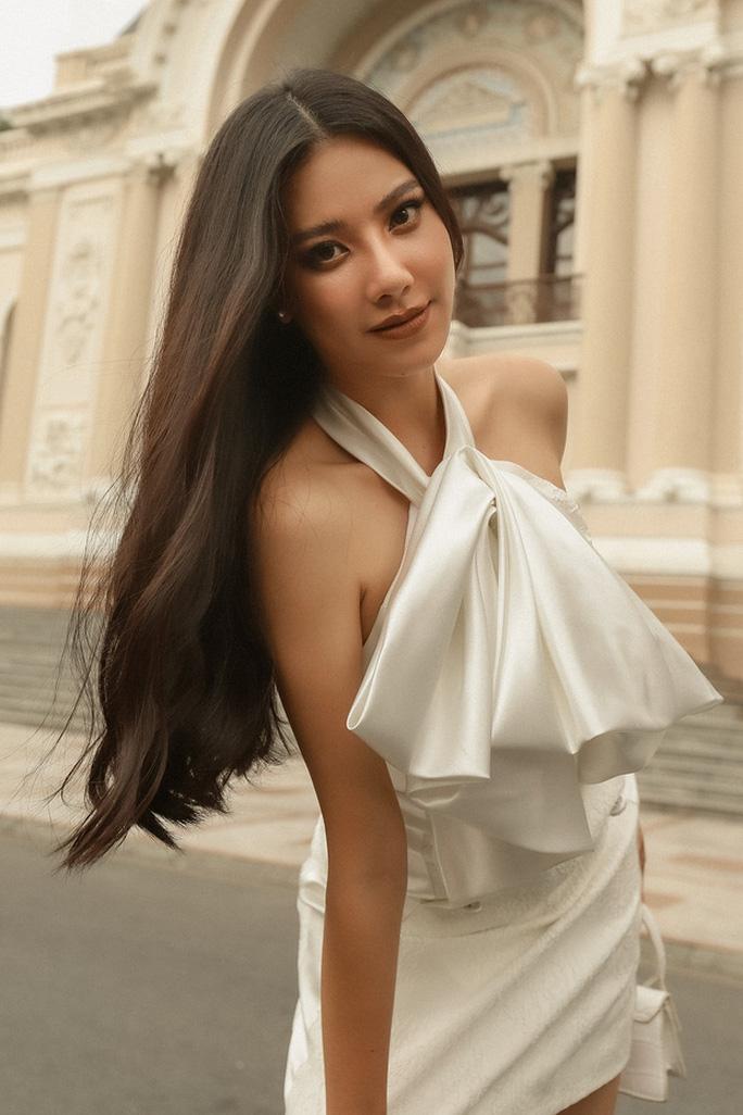 Chuẩn bị đại diện Việt Nam tranh tài tại đấu trường Hoa hậu Hoàn vũ 2021 nhưng Kim Duyên đang vướng lùm xùm về vấn đề học vấn