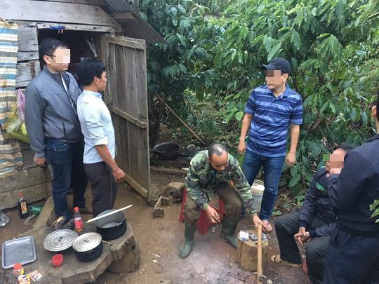Lực lượng công an bắt giữ một số đối tượng trong vụ án