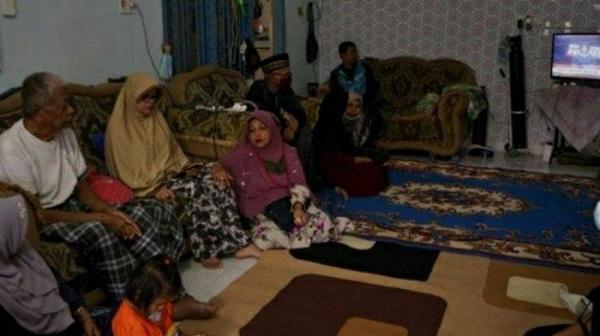 Từ ngày xảy ra tai nạn, gia đình đôi bên đều liên tục chờ tin tức từ con trai và con gái họ