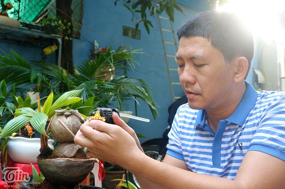 Trend trang trí Tết 2021: Chiêm ngưỡng dàn Bonsai dừa hình trâu có 1-0-2 0