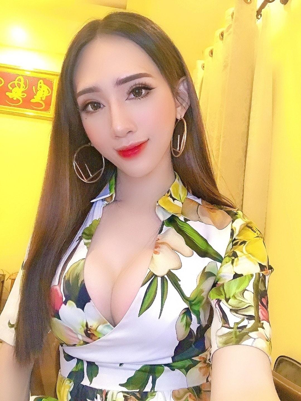 Gu thời trang của Minh Anh cũng ngày càng được chăm chút.