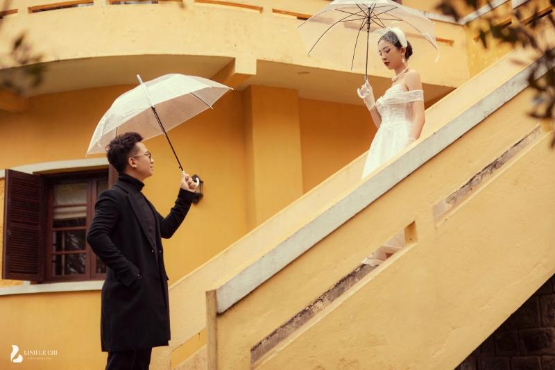 Ngắm trọn bộ ảnh cưới 'tình bể bình' của Á hậu Thuý An: Cô dâu xinh mọi góc, chú rể phong độ miễn bàn 1