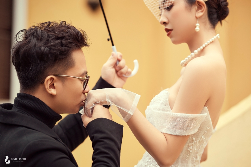 Ngắm trọn bộ ảnh cưới 'tình bể bình' của Á hậu Thuý An: Cô dâu xinh mọi góc, chú rể phong độ miễn bàn 6