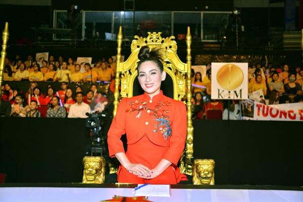 Giám khảo Phi Nhung