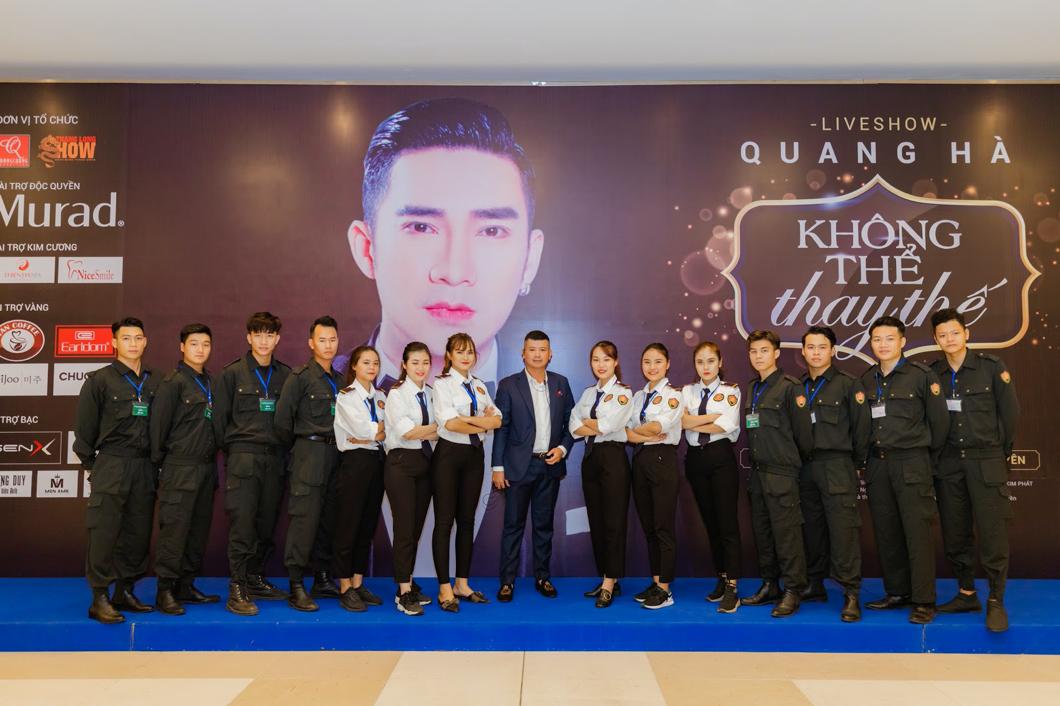 Đội ngũ nhân viên tại Công ty CP Dịch vụ Bảo vệ Samurai bảo vệ cho liveshow ca nhạc của ca sĩ Quang Hà