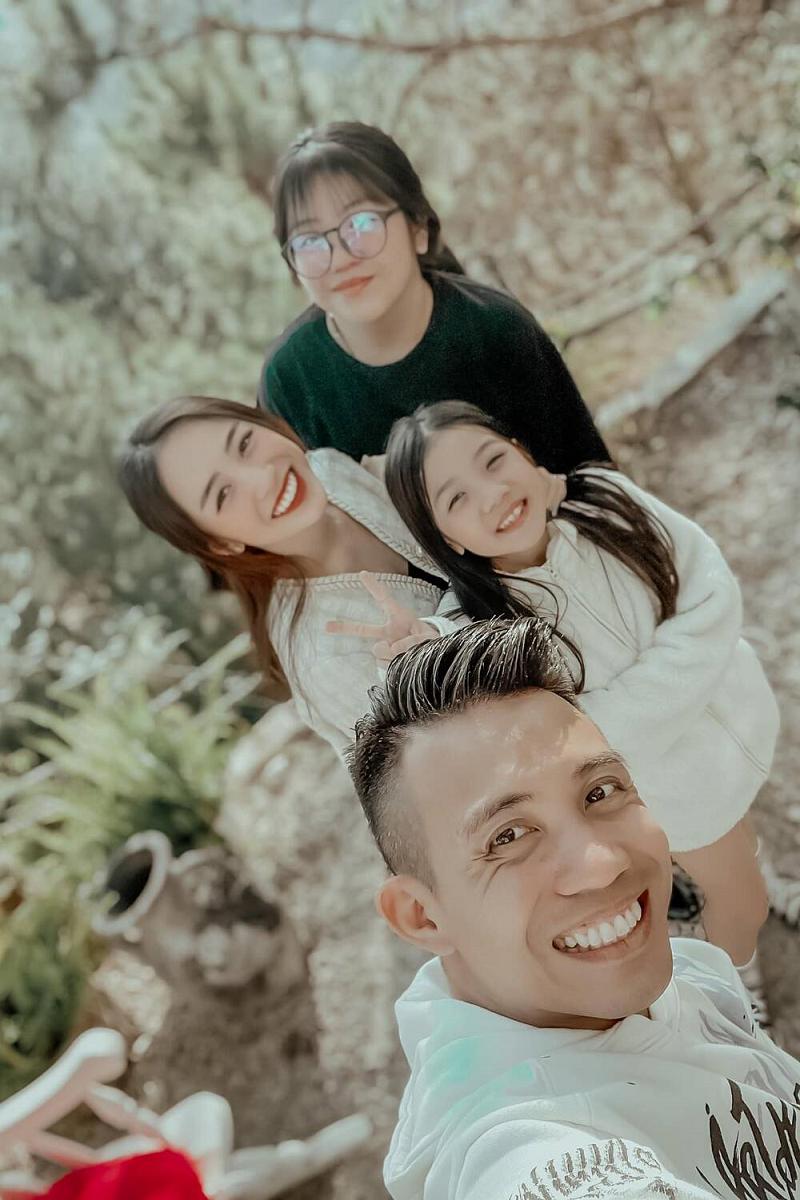 Minh Nhựa và 3 con với vợ cả