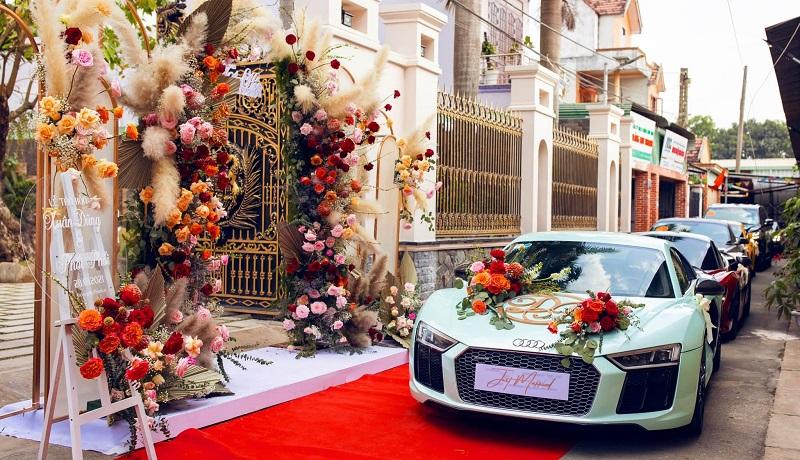 Dàn siêu xe được nhà trai chuẩn bị cho lễ rước dâu