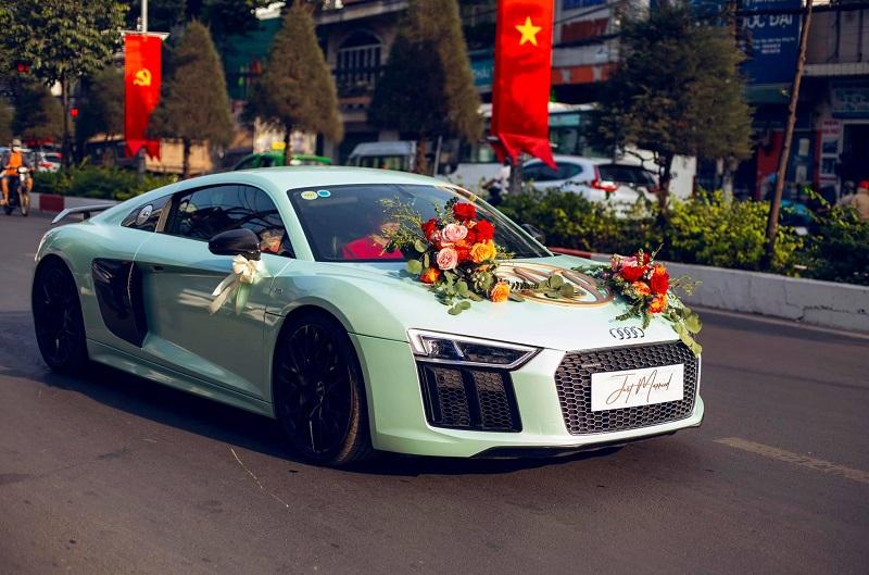 Audi R8 V10 Plus có giá rơi vào khoảng 12-13 tỷ đồng.