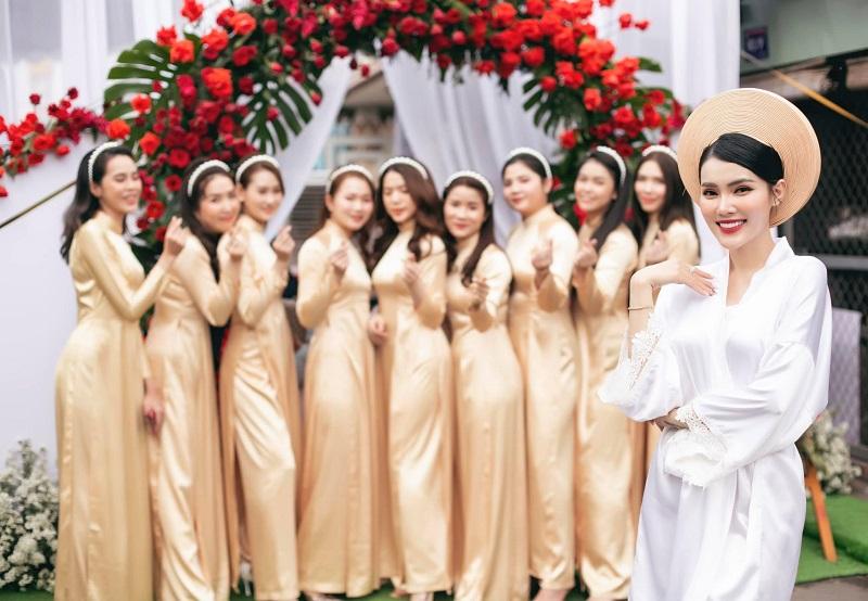Gương mặt hút hồn được đánh giá rất giống nhiều Hoa hậu và Á hậu như: Kỳ Duyên, Lan Khuê, Phạm Hương,...