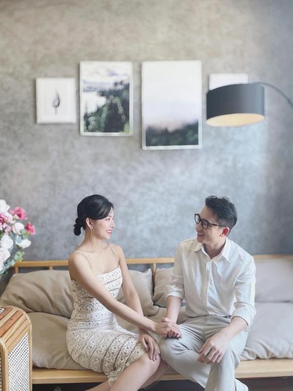 Ảnh cưới được nam ca sĩ hé lộ vào đúng Cá tháng tư.