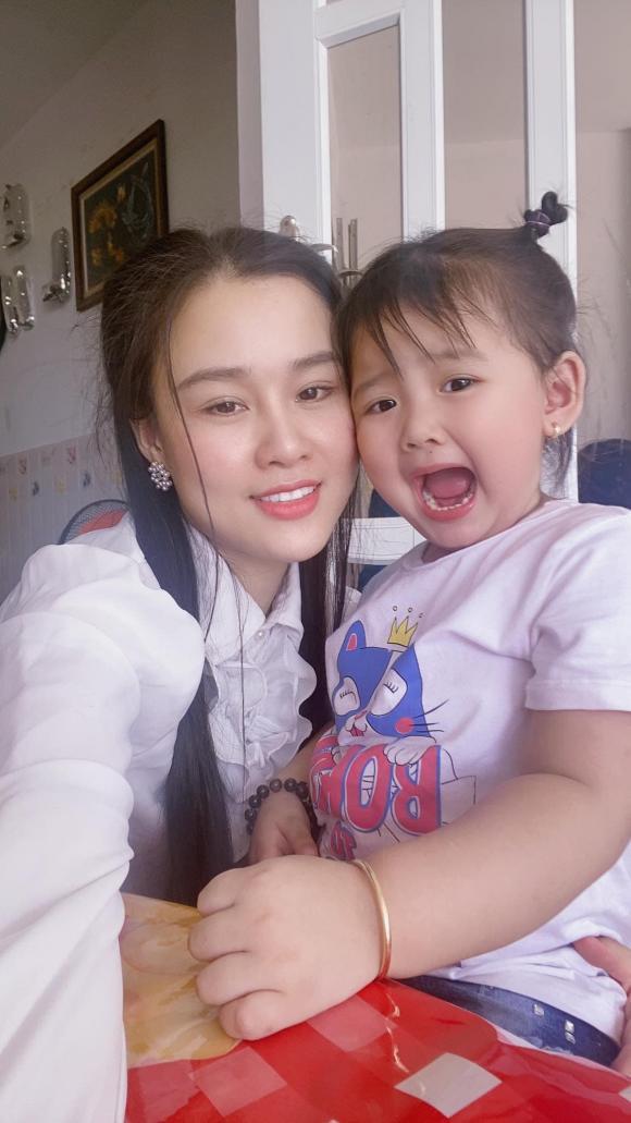 Linh Lan cầu xin bố mẹ Vân Quang Long hãy buông tha cho mình vì cô đã quá mệt mỏi, stress sau nhiều chuyện xảy ra