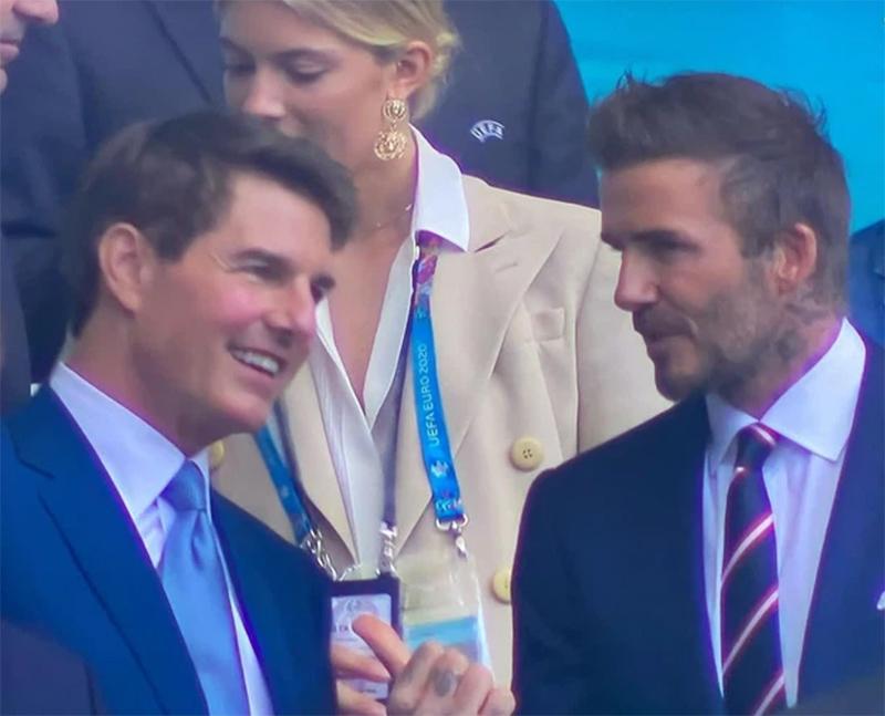 Clip khoảnh khắc hội ngộ của 2 huyền thoại Tom Cruise và David Beckham trên khán đài Chung kết Euro 2020 gây sốt MXH 1