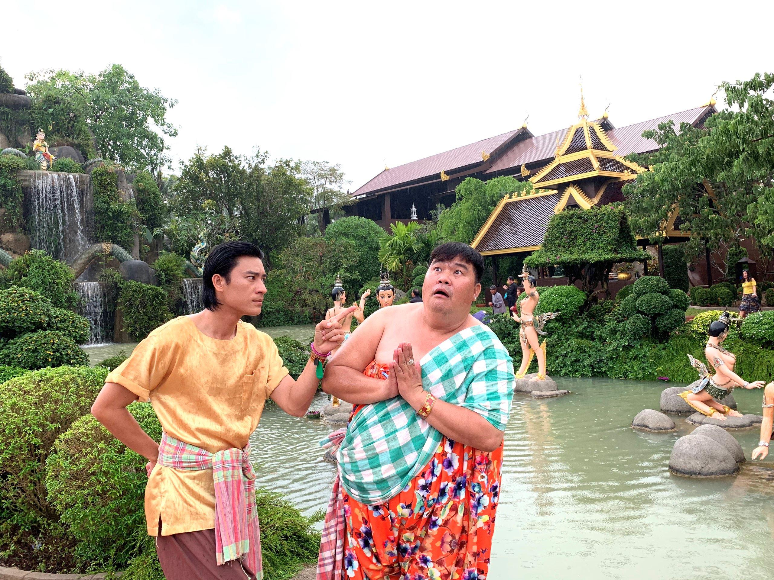 Cả đoàn làm phim 'Má tôi là đại gia' bị cảnh sát Thái Lan bắt 3