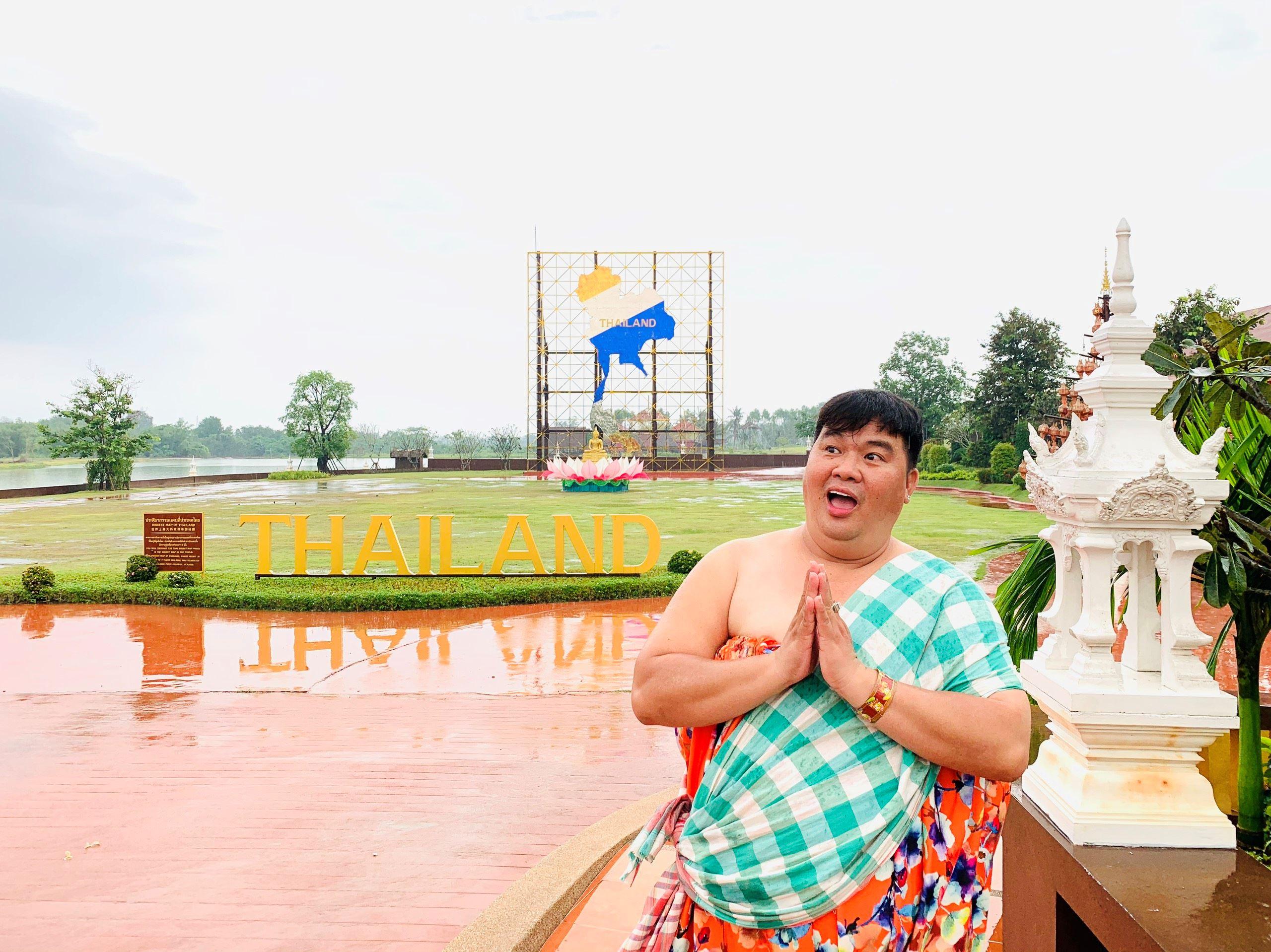 Cả đoàn làm phim 'Má tôi là đại gia' bị cảnh sát Thái Lan bắt 5