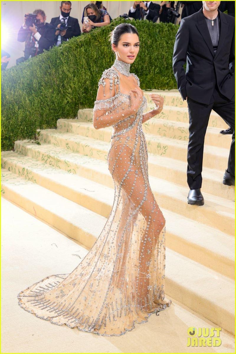 Góc chụp nào cũng không thể khiếnKendall Jenner ngừng tỏa sáng.