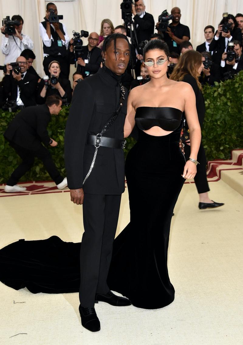 Kylie Jenner được mời đến MET Gala lần đầu năm 2016...