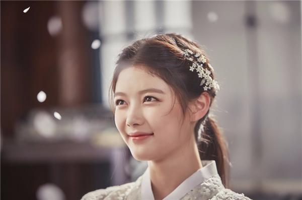 Nhan sắc thời kỳ này của Yoo Jung khiến nhiều người phải xuýt xoa vì quá xinh đẹp