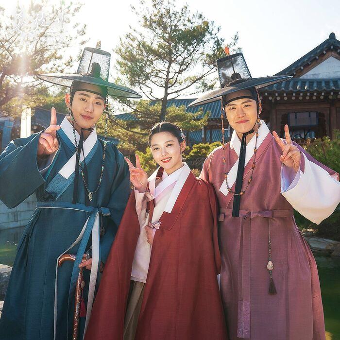 Bộ ba diễn viên chính: Ahn Hyo Seop, Kim Yoo Jung, Gong Myung