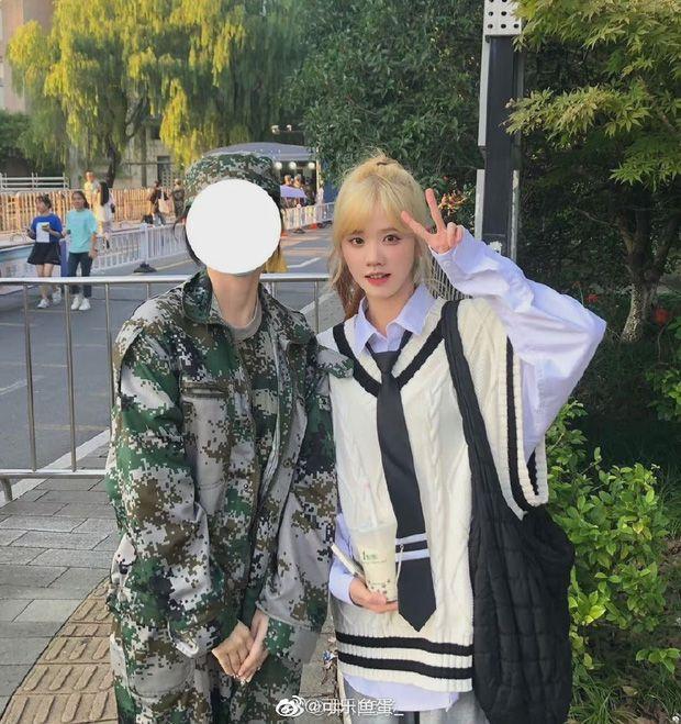 Fan khoe ảnh chụp cùngLiyu.